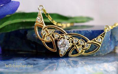 Diamond Crescent Triskele Pendant Reset