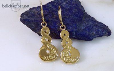 18K Yellow Gold Pikorua earrings