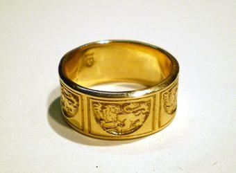 Lion Crest Ring