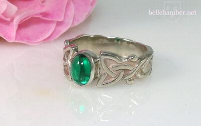 Dianne Loveknot with Emerald Gemstone